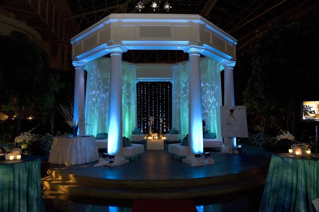 Wedding-details-reception-decor-inspiration-by-jerri-woolworth-blue-white-wedding.full