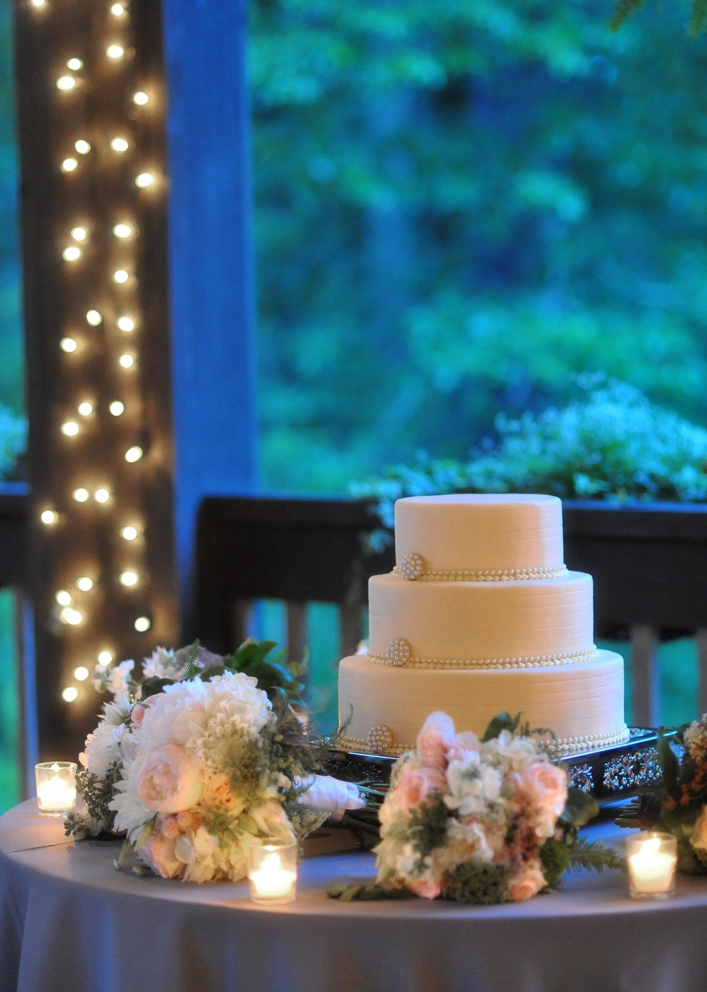 Classic-wedding-cake-north-carolina-venue.full