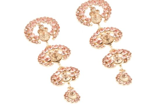 statement wedding jewelry for glam brides 6