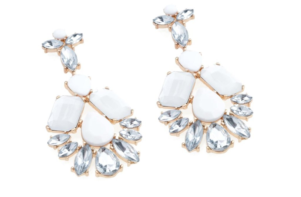 Statement-wedding-jewelry-for-glam-brides-1.full