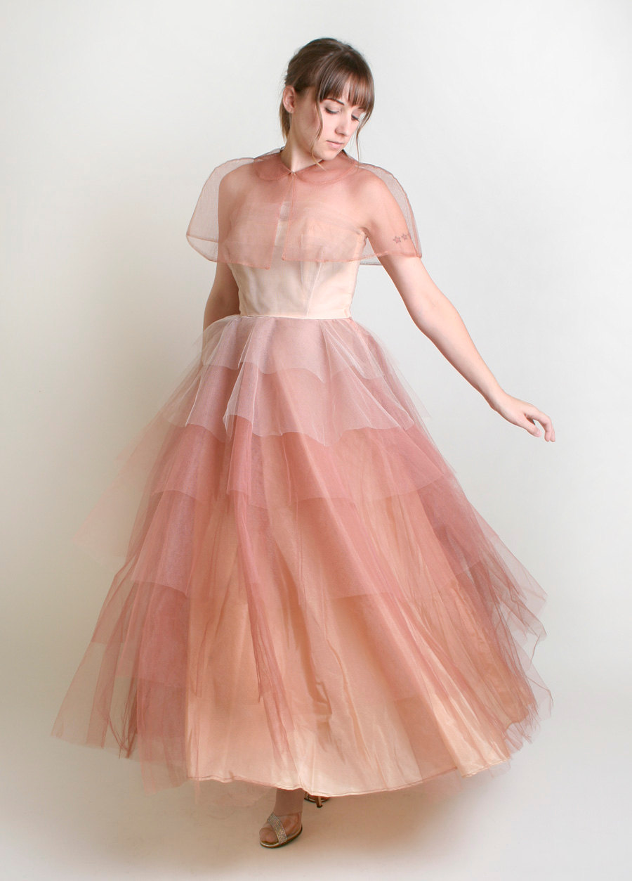 Unique wedding dresses non white bridal gown vintage tulle for Pink ombre wedding dress