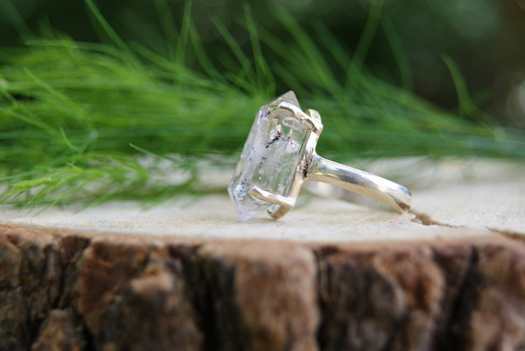 Unique-diamond-engagement-rings-wedding-jewelry-with-rough-herkimer-stone-5.full