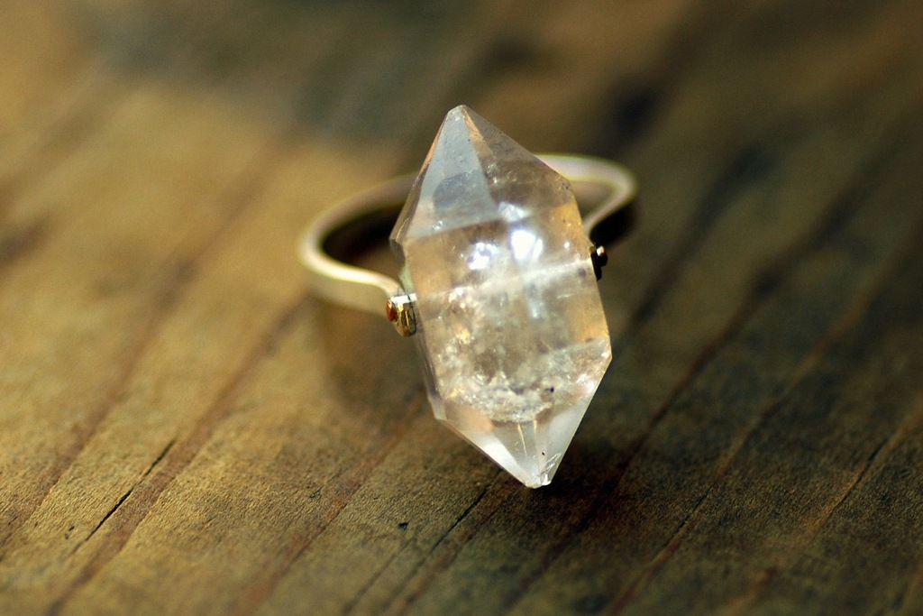 Unique-diamond-engagement-rings-wedding-jewelry-with-rough-herkimer-stones-1.full