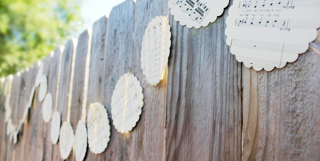 Music-themed-wedding-accessories-ceremony-reception-decor-rustic-garland.full