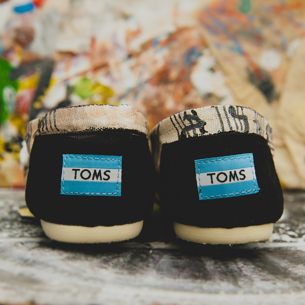 Music-themed-wedding-accessories-ceremony-reception-decor-toms-for-groom-2.full