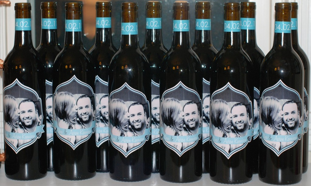 Personalized-wedding-ideas-custom-wine-labels-for-the-reception-photo-with-date.full