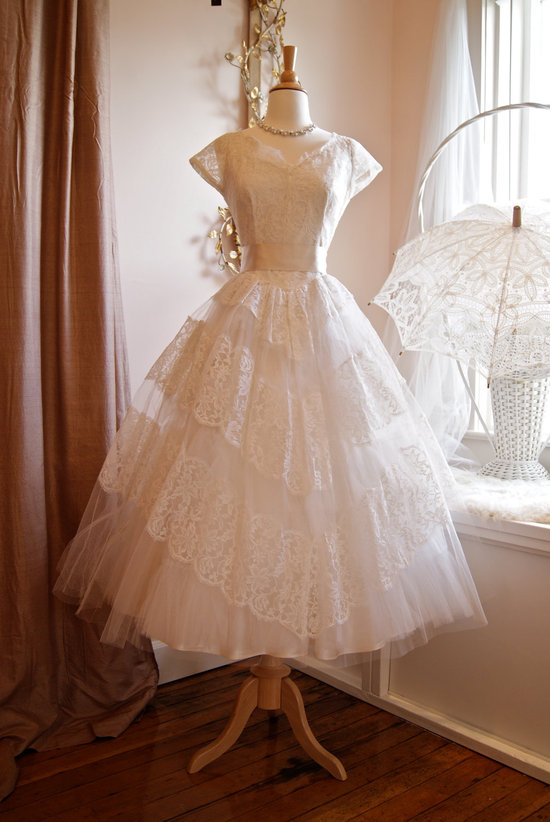 vintage wedding dress bridal gown inspiration from Etsy 1950s lace