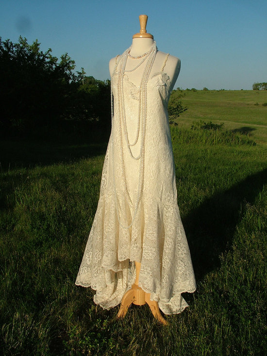 Vintage wedding dress bridal gown inspiration from Etsy.