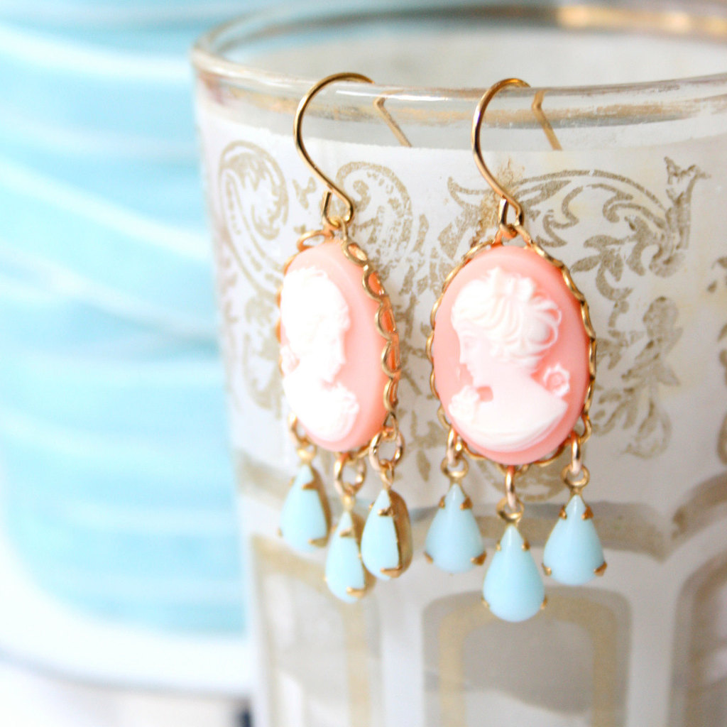 Cameo-wedding-finds-bridal-earrings.full