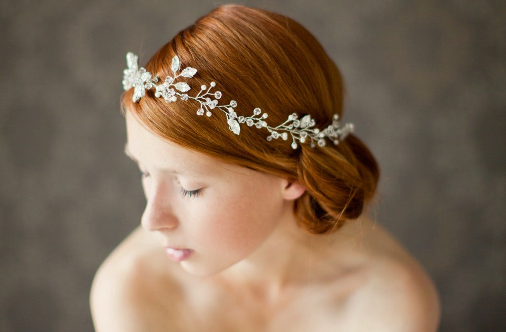 Chic-bridal-headbands-unique-wedding-hair-accessories-floral-crown.full