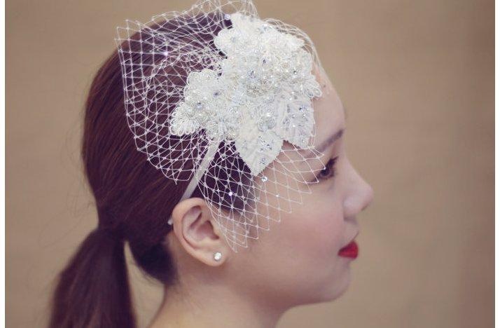 Wedding-hair-accessories-for-brides-seeking-the-unique-bridal-headbands-4.full