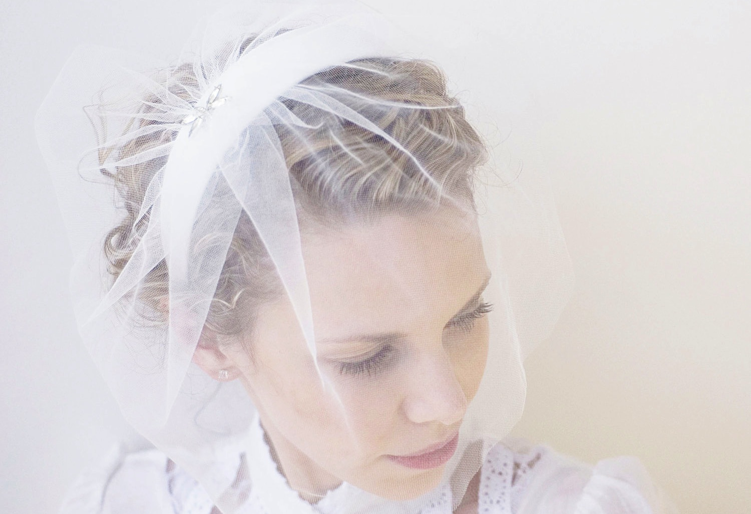 Chic-bridal-headbands-unique-wedding-hair-accessories-vintage-with-veil.original