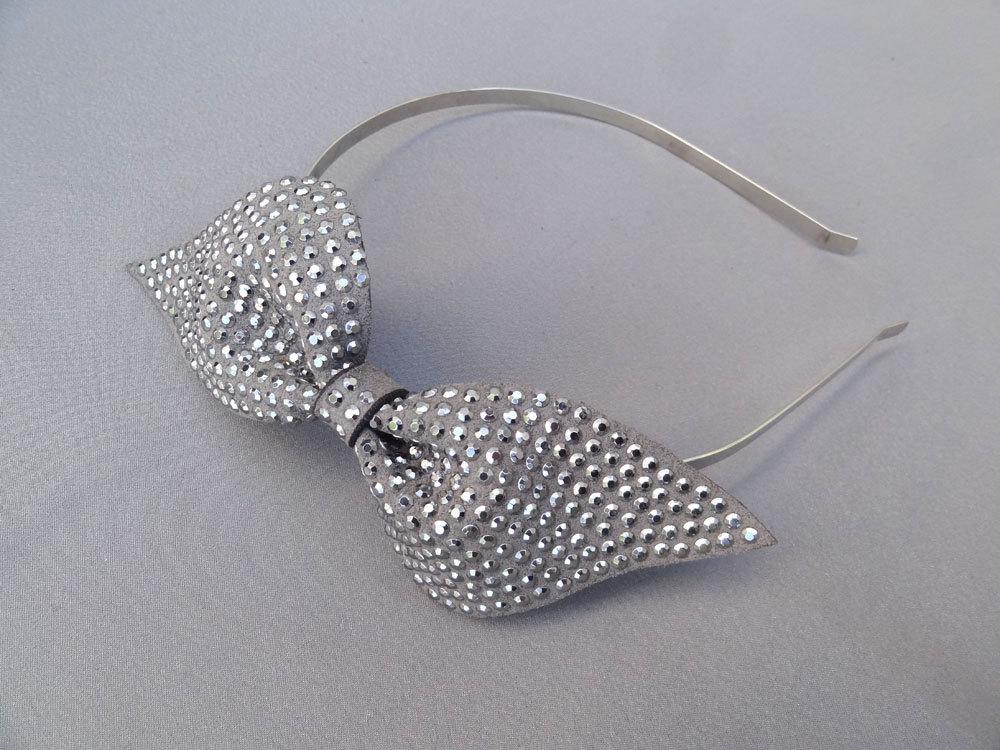 Chic-bridal-headbands-unique-wedding-hair-accessories-silver-bow.full