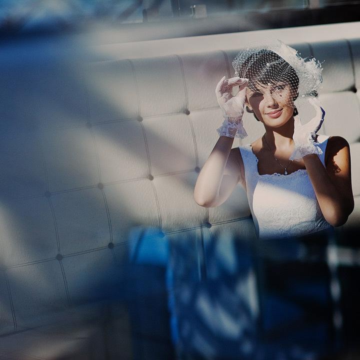 Priceless-wedding-photo-bridal-portrait-vintage-details.full