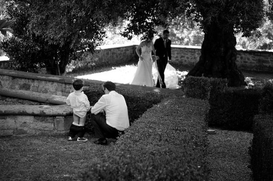 priceless wedding photos little boy pees