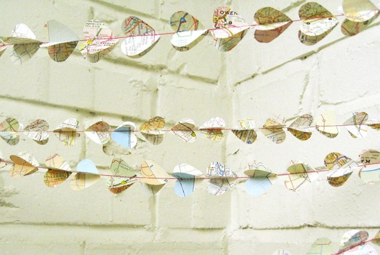 map wedding decor details from Etsy reception garland