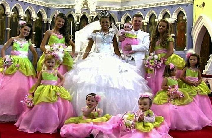 Bad-bridesmaid-style-ugly-bridal-party-photos-wedding-fun-pink-pea-green.full