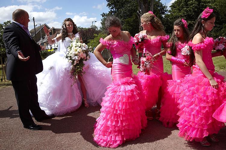 Bad-bridesmaid-style-ugly-bridal-party-photos-wedding-fun-8.full