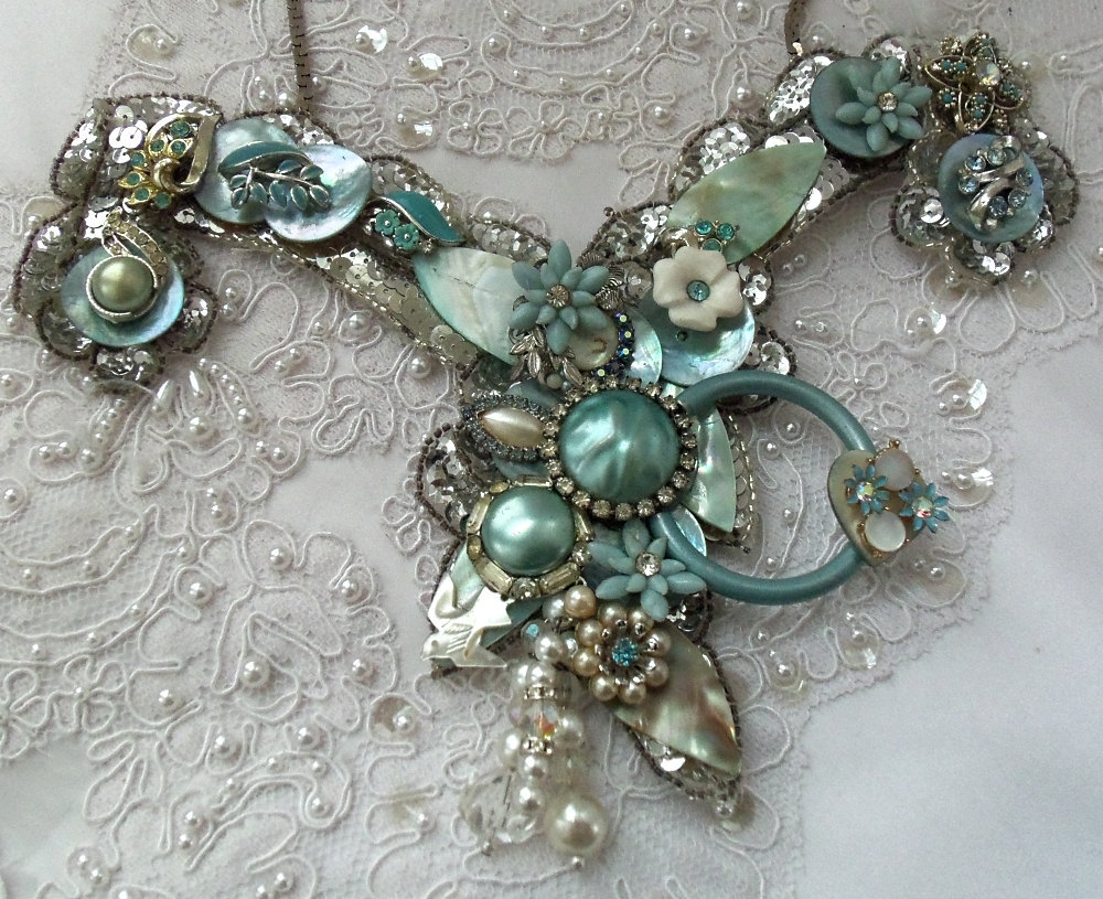 Something-blue-wedding-inspiration-bridal-style-spotting-vintage-statement-necklace.full