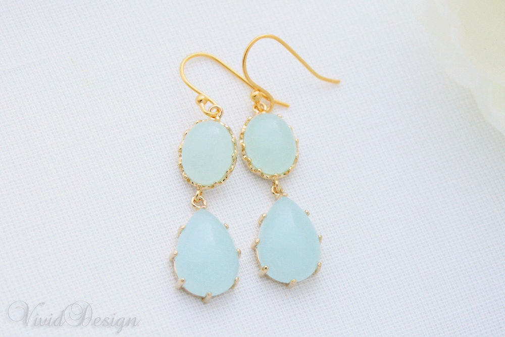 Something-blue-wedding-inspiration-bridal-style-spotting-drop-earrings.full