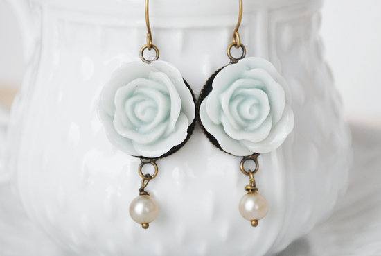 something blue wedding inspiration bridal style spotting earrings 1