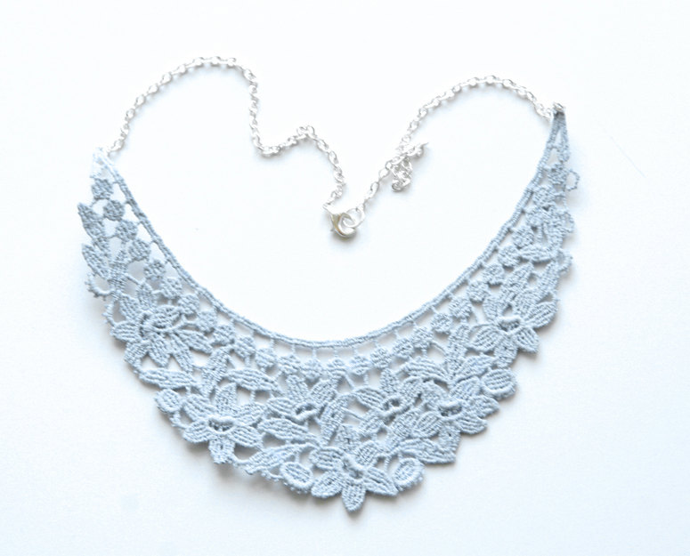 Something-blue-wedding-inspiration-bridal-style-spotting-lace-necklace.original