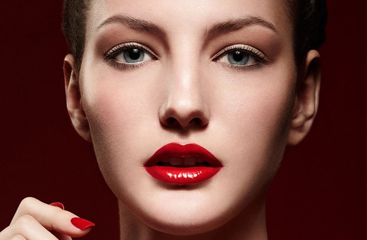 Gorgeous-bridal-makeup-wedding-beauty-ideas-glam-retro-bride-red-lips.full