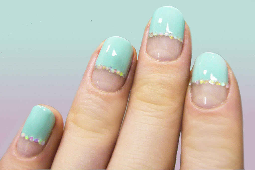 Wedding-worthy-manicures-for-the-fashion-forward-bride-nude-teal.full