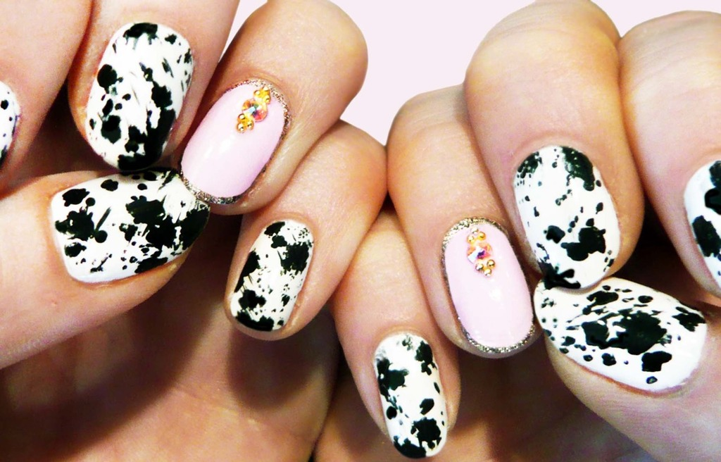 Wedding-worthy-manicures-for-the-fashion-forward-bride-black-white-with-gold.full