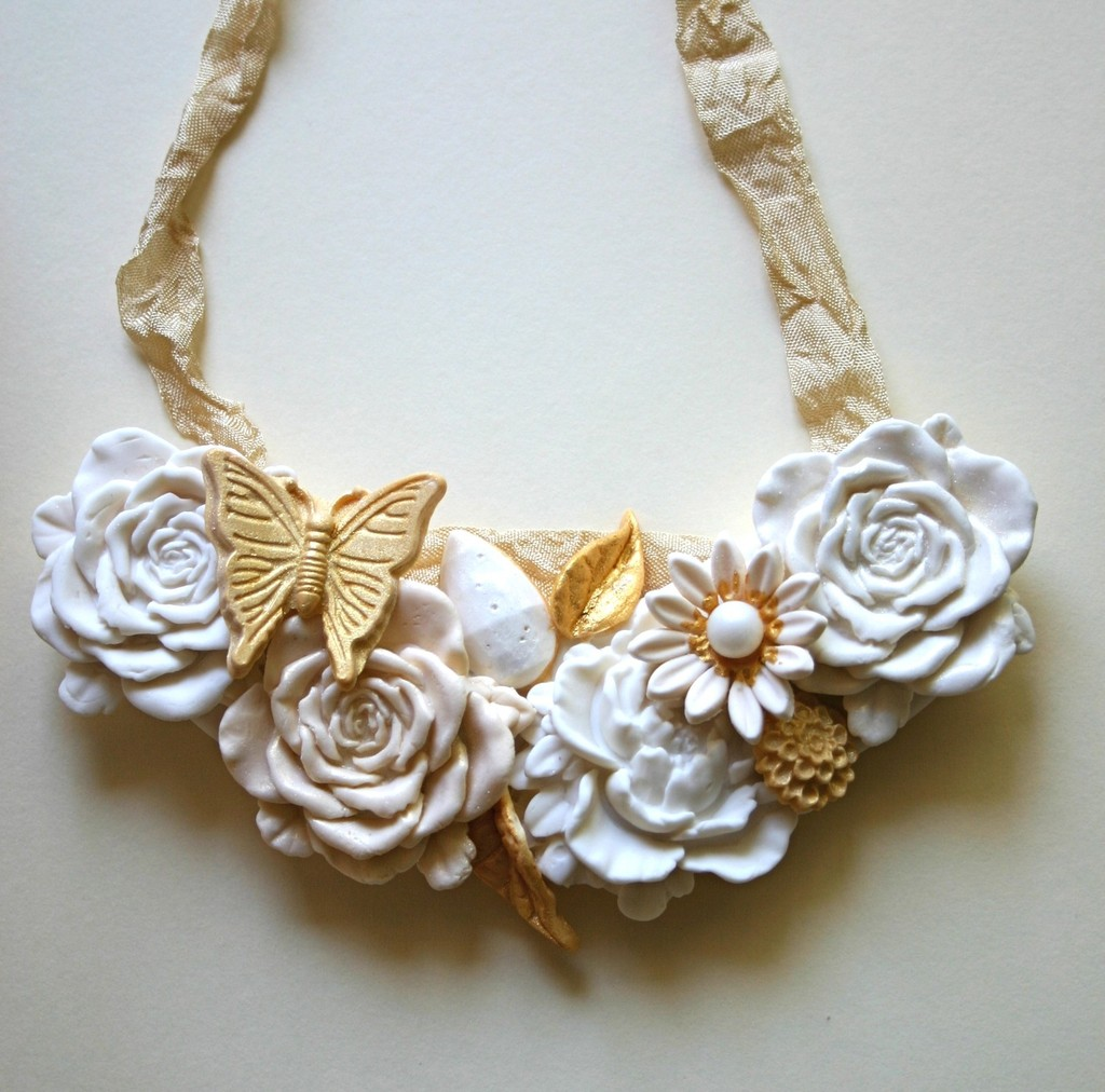 Sweet-wedding-finds-edible-statement-necklace.full
