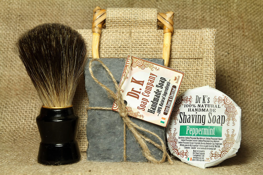 rad wedding gifts for groomsmen best man shaving kit OneWed.com