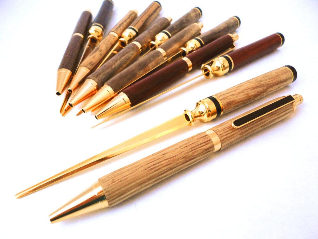 Rad-wedding-gifts-for-groomsmen-best-man-fancy-wood-pen.full