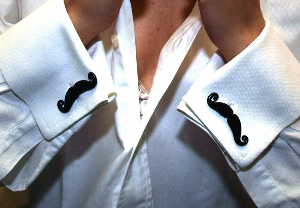 Rad-wedding-gifts-for-groomsmen-best-man-mustache-cufflinks.full