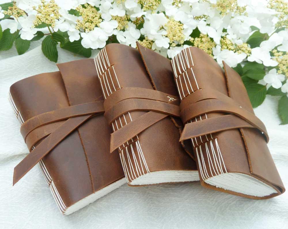 Rad-wedding-gifts-for-groomsmen-best-man-leather-notebooks.full