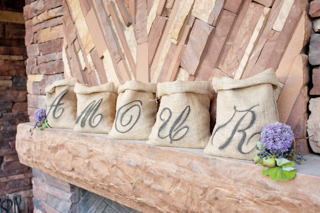 Amelie-inspired-wedding-photography-intimate-outdoor-weddings-rustic-burlap.full