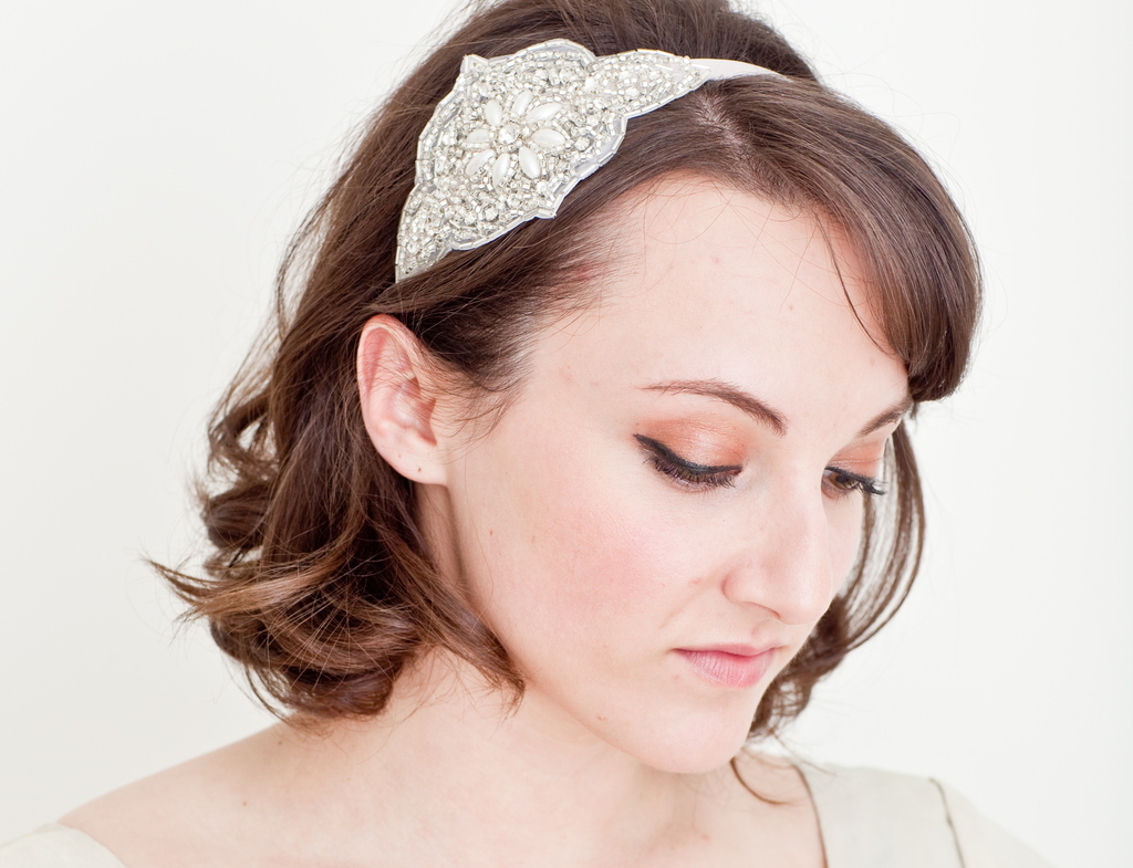 10-gorgeous-bridal-veils-wedding-hair-accessories-bethany-lorelle-beaded-fascinator.full