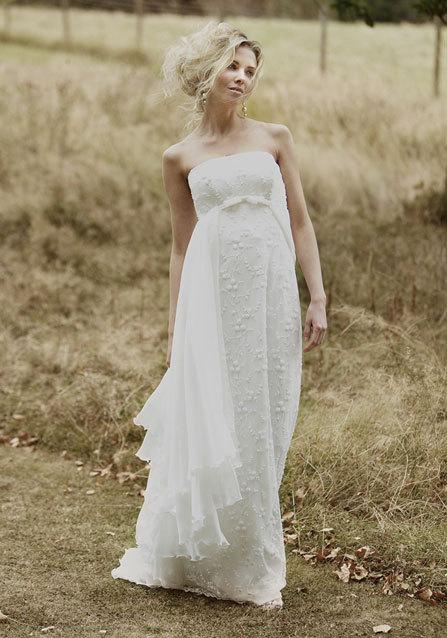 2013-wedding-dress-lyn-ashworth-bridal-gowns-8.full