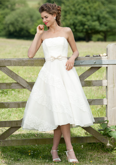 2013-wedding-dress-lyn-ashworth-bridal-gowns-3.full