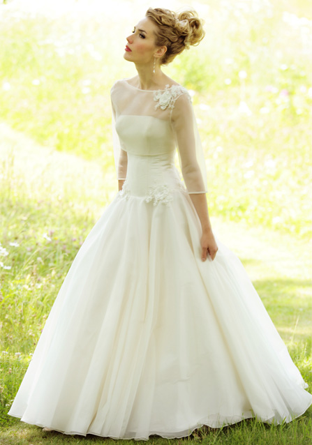 2013-wedding-dress-lyn-ashworth-bridal-gowns-1.original