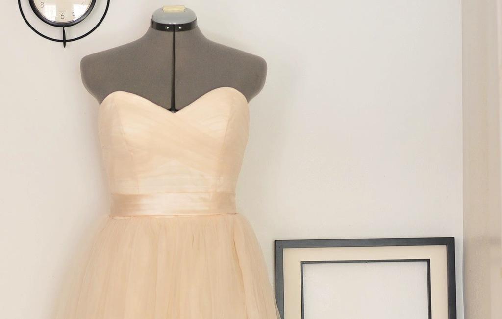 Peach-wedding-pretties-for-romantic-weddings-sweetheart-bridal-gown.full