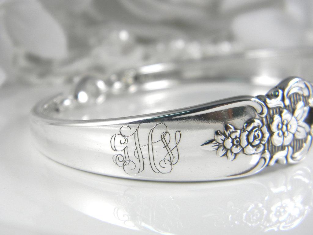 Handmade-wedding-ideas-wedding-party-gifts-vintage-spoon-bracelet.full