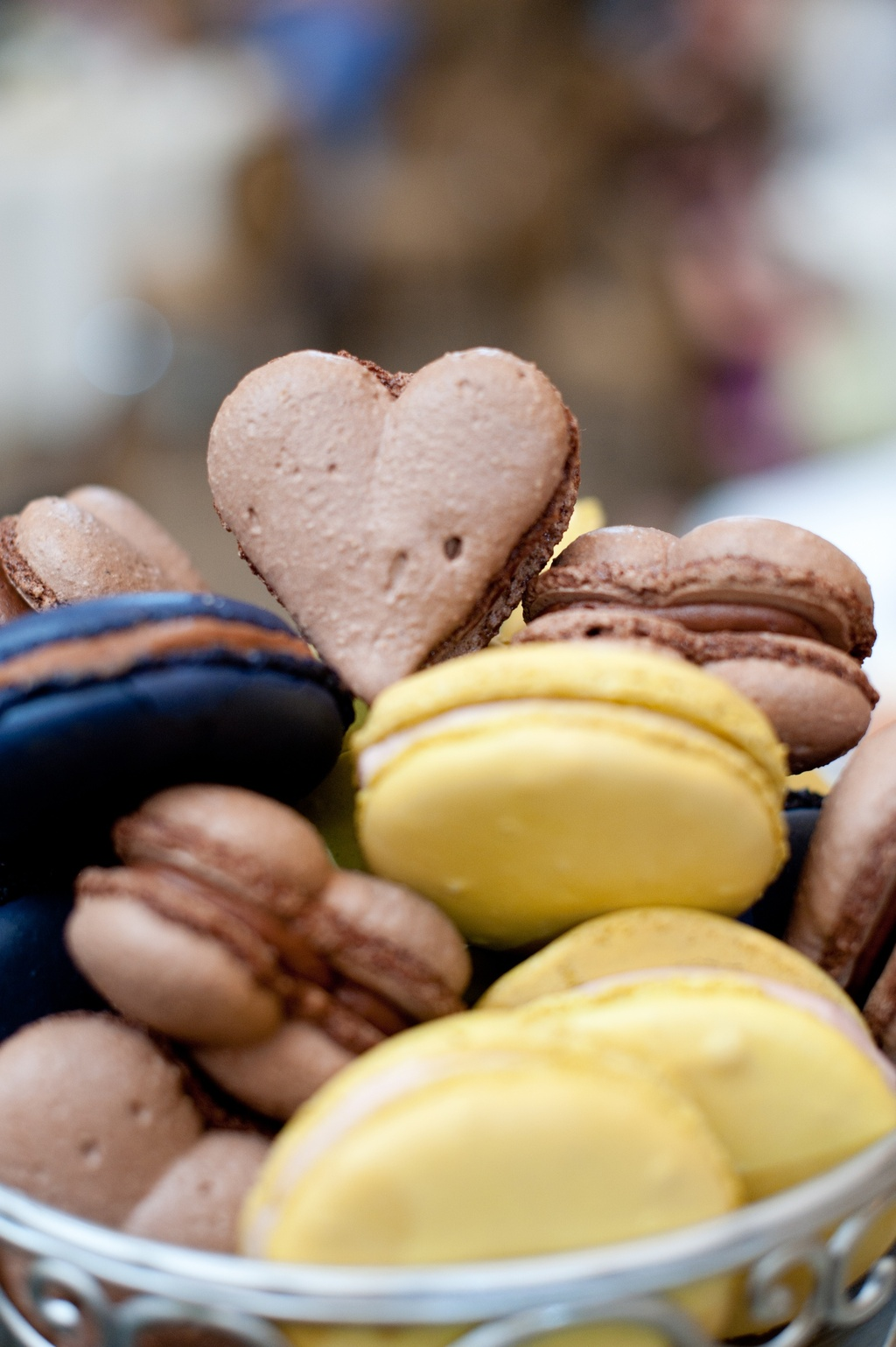 Real-wedding-reception-sweets-heart-shaped-macarons.full
