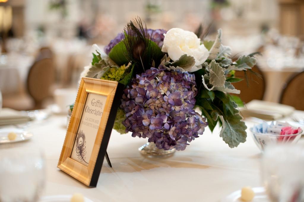 Wedding-photography-sneak-peek-elegant-real-wedding-hydgrangea-centerpiece.full
