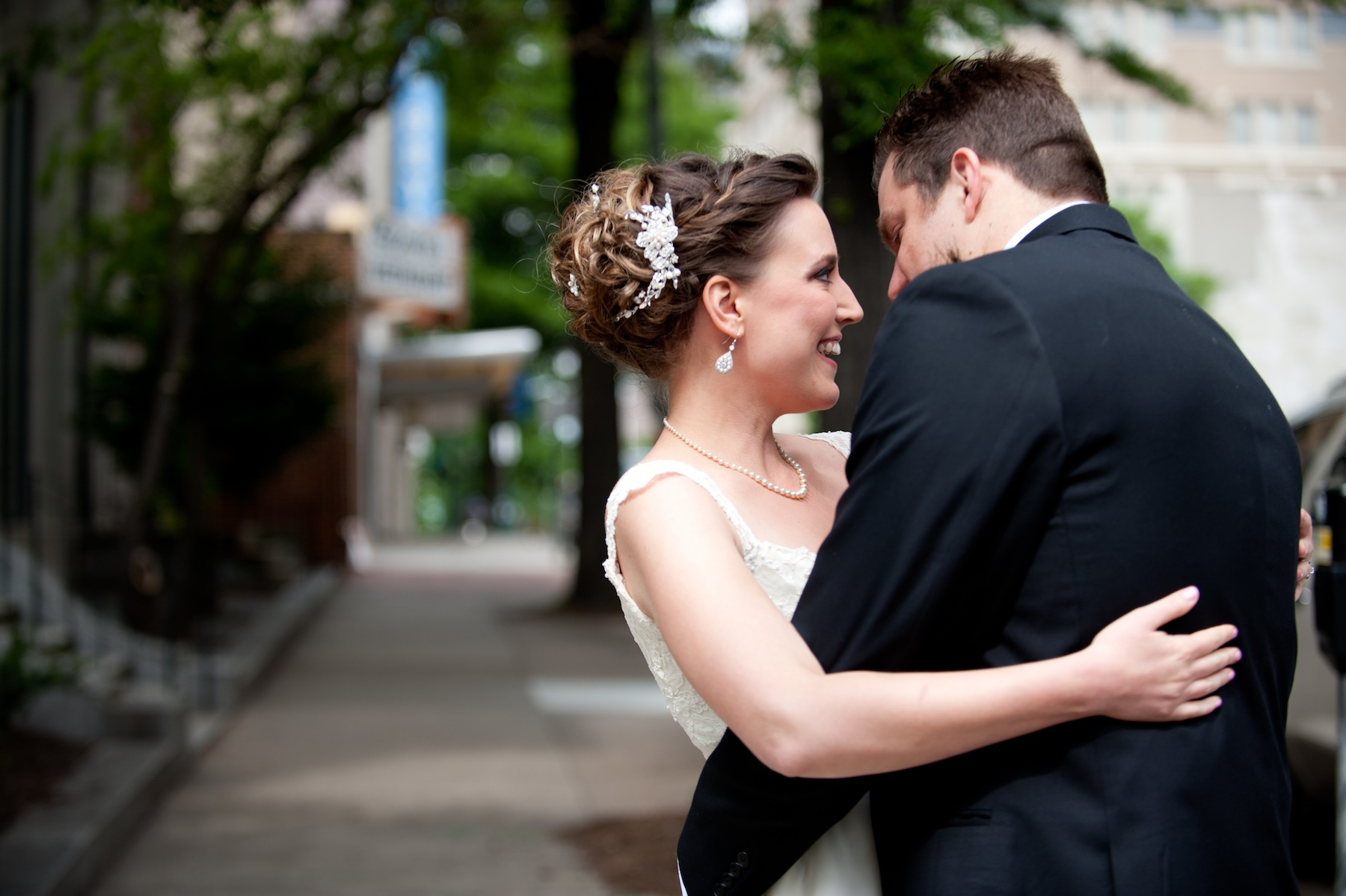 Wedding-photography-sneak-peek-elegant-real-wedding-bride-and-groom.original