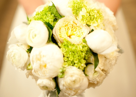 wedding photography sneak peek elegant real wedding bridal bouquet
