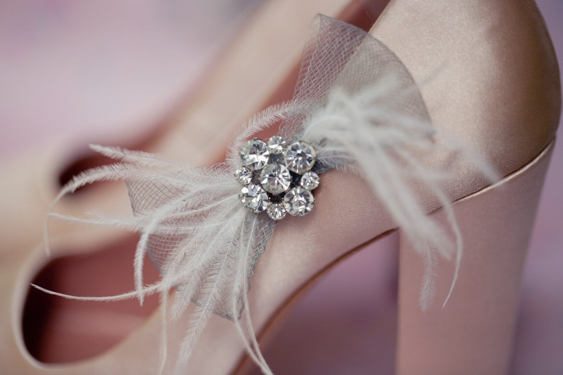 Pretty-little-wedding-shoe-clips-fun-affordable-bridal-accessories-17.full