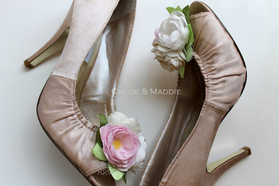 pretty little wedding shoe clips fun affordable bridal accessories 14