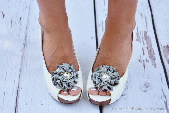 pretty little wedding shoe clips fun affordable bridal accessories silver