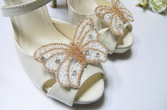 pretty little wedding shoe clips fun affordable bridal accessories ivory gold