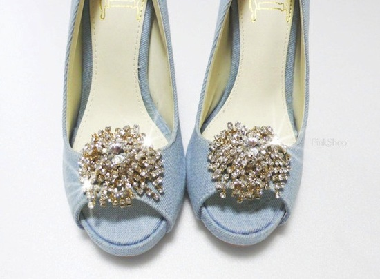 pretty little wedding shoe clips fun affordable bridal accessories 7